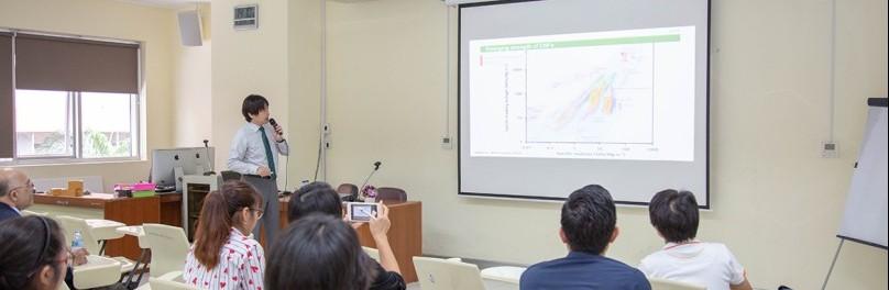 """ผู้เชี่ยวชาญต่างประเทศบรรยายพิเศษ โครงการ """"Cellulose-based Biomaterials Workshop"""""""